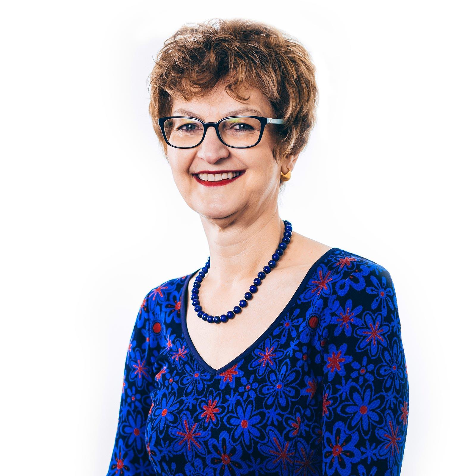 Dr Monica Comsa